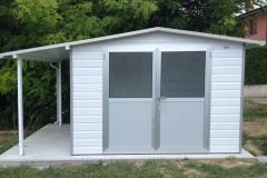 casetta cm prof.300 x larg 250 h 215 con porticato laterale cm 100x 300